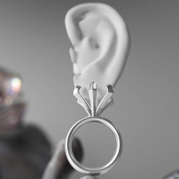 Ear02 1